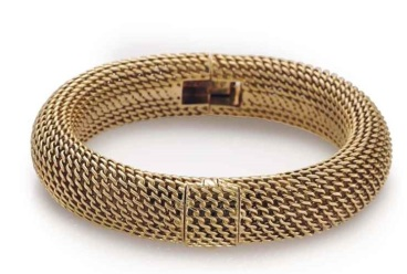 audemars_piguet_a_ladys_fine_18k_gold_bracelet_watch_with_concealed_di_d6050110g1