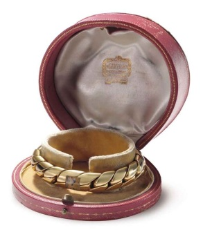 cartier_a_ladys_18k_gold_bracelet_watch_signed_cartier_european_watch_d6050111g1
